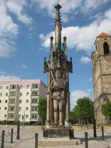 The Roland statue.